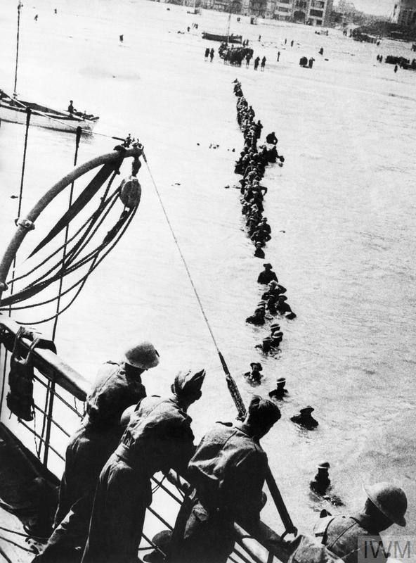 DUNKIRK 26 - 29 MAY 1940 (HU 41240) British soldiers wade out to a waiting destroyer off Dunkirk during Operation Dynamo. Copyright: © IWM. Original Source: http://www.iwm.org.uk/collections/item/object/205022146