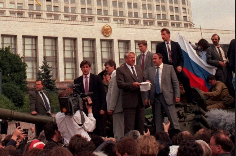 On This Day: 21st August 1991 - Coup against Soviet President Mikhail Gorbachev ends