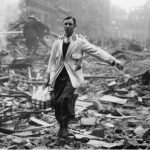 On This Day: 7th September 1940 London Blitz starts Germany starts it's Blitz on London with 300 German bombers in the first of 57 consecutive nights of bombing. The Blitz caused the deaths of over 40,000 men women and children and left a million homes destroyed in the city.   A milkman delivering milk in a London street devastated during a German bombing raid. Firemen are dampening down the ruins behind him CREDIT: FRED MORLEY/GETTY IMAGES #WW2