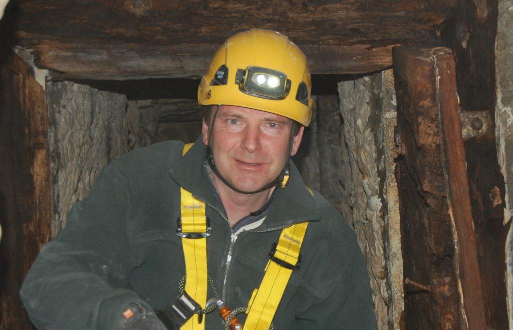 Simon Jones Underground Warfare